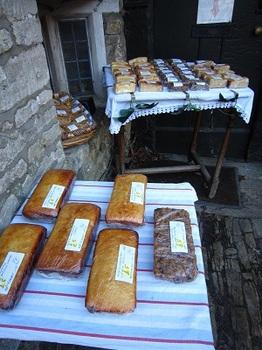 Castle Combe のパン.jpg