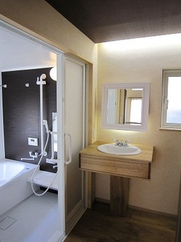浴室と洗面台.jpg