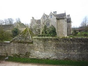 Kelmscott Manor.jpg