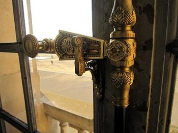 versailleの窓装飾錠.jpg